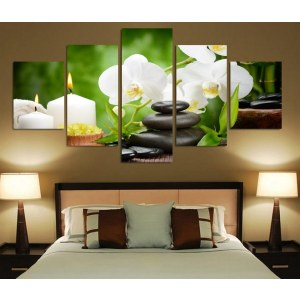 Tableau galets, bougies et orchidées blanches