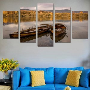 Tableau barques flottants sur un lac